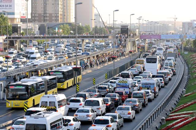 yollarda-22-milyon-arac-var
